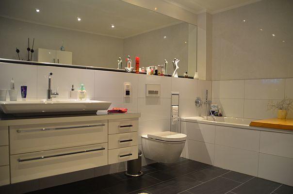 Badezimmer sanierung  Badsanierung Köln - moderne Badrenovierung & Badgestaltung vom ...